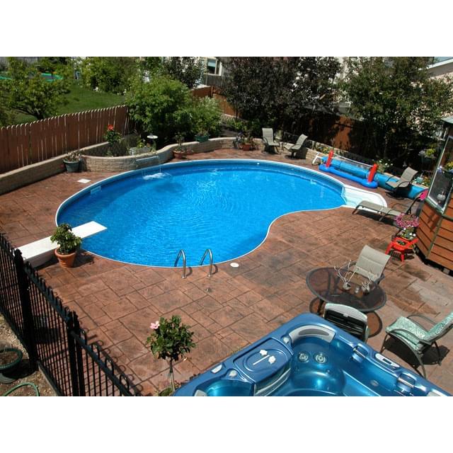 Cresent piscine creus e 12 x 24 pieds gauch re forfait de for Piscine 24 pieds